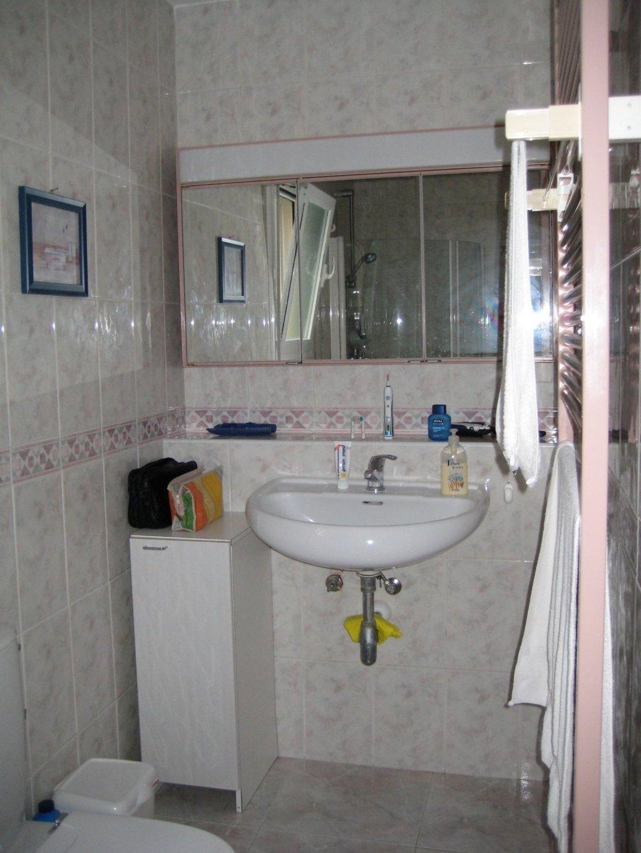 Ensuite Bad beim großen Schlafzimmer